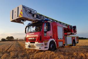 Drehleiter Feuerwehr Altwarmbüchen